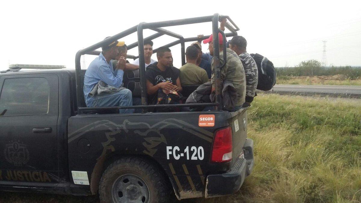 Elementos de Fuerza Coahuila en conjunto con el INM rescatan a 157 centroamericanos.